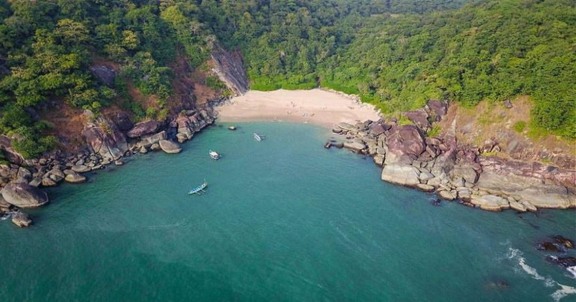 Bask In The Splendid Views Of This Little-Known Butterfly Beach In South Goa | Curly Tales