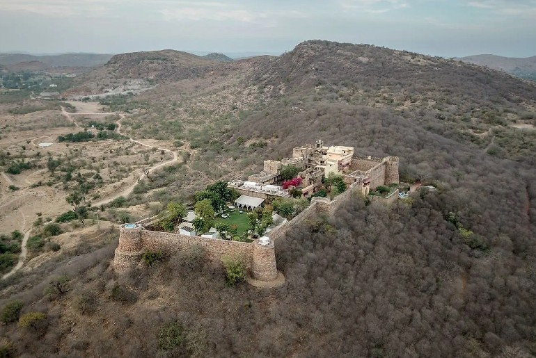 Rajasthan Fort Hotel Tents & An Open-Air Jacuzzi