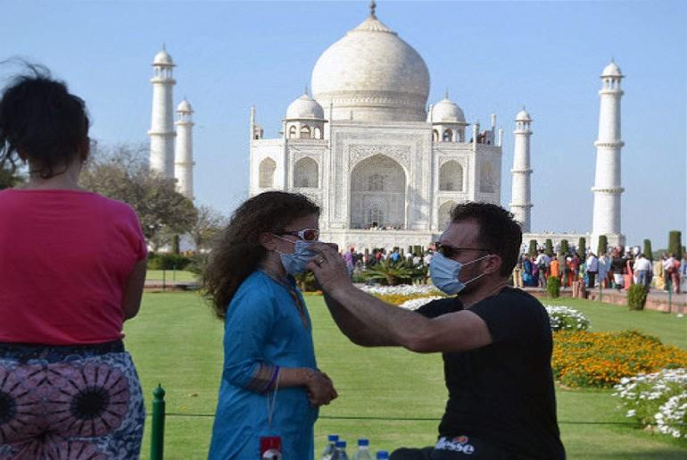 Taj Mahal foreign tourists