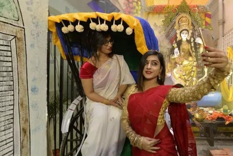 Saraswati Pujo Valentine's Day