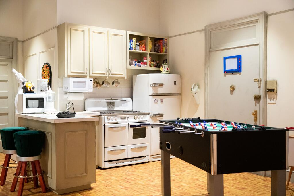 stay at the friends apartment in new york