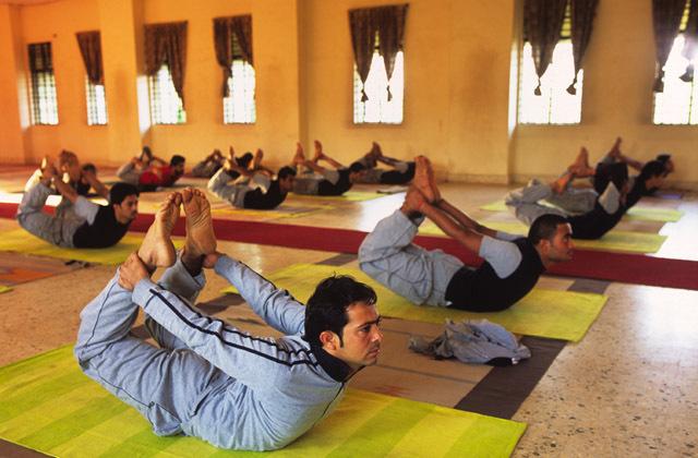 yoga retreats near mumbai